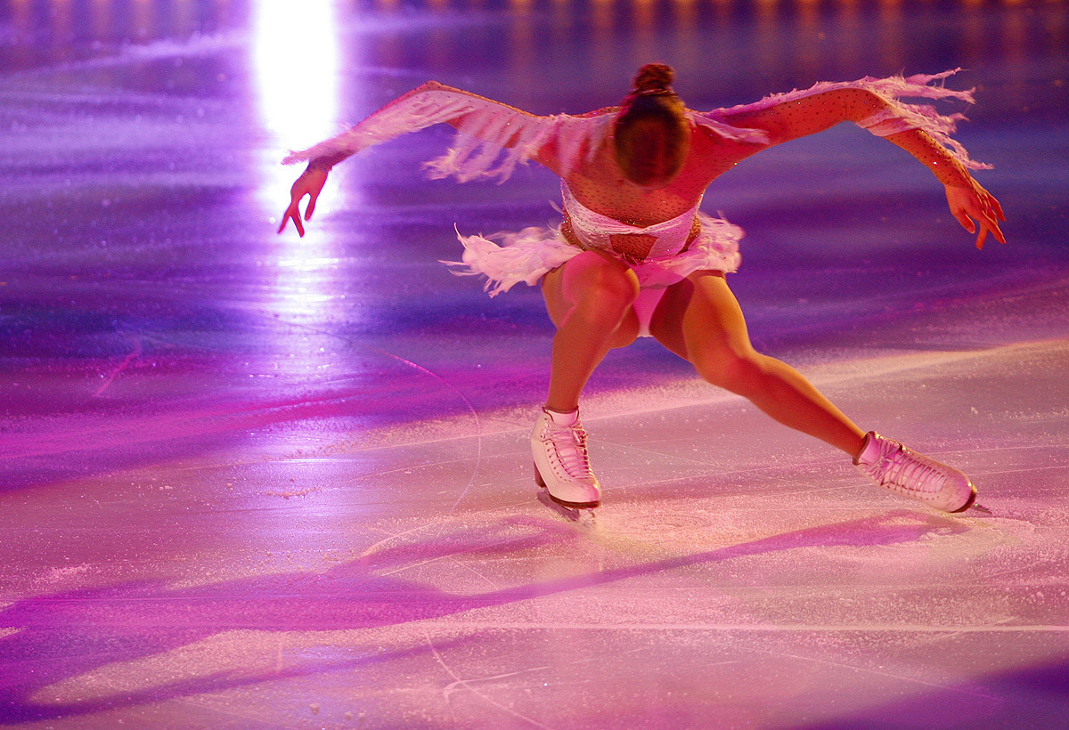 Ice Skating Wallpaper Carolina Kostner 1200x820