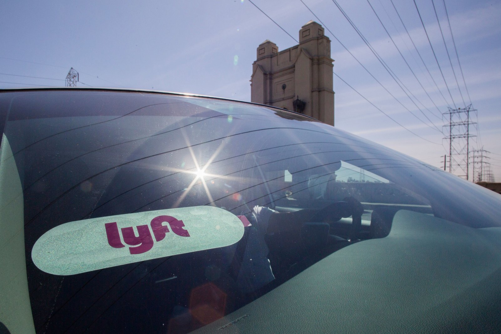 Lyft will run continuous background checks on its drivers 1600x1067