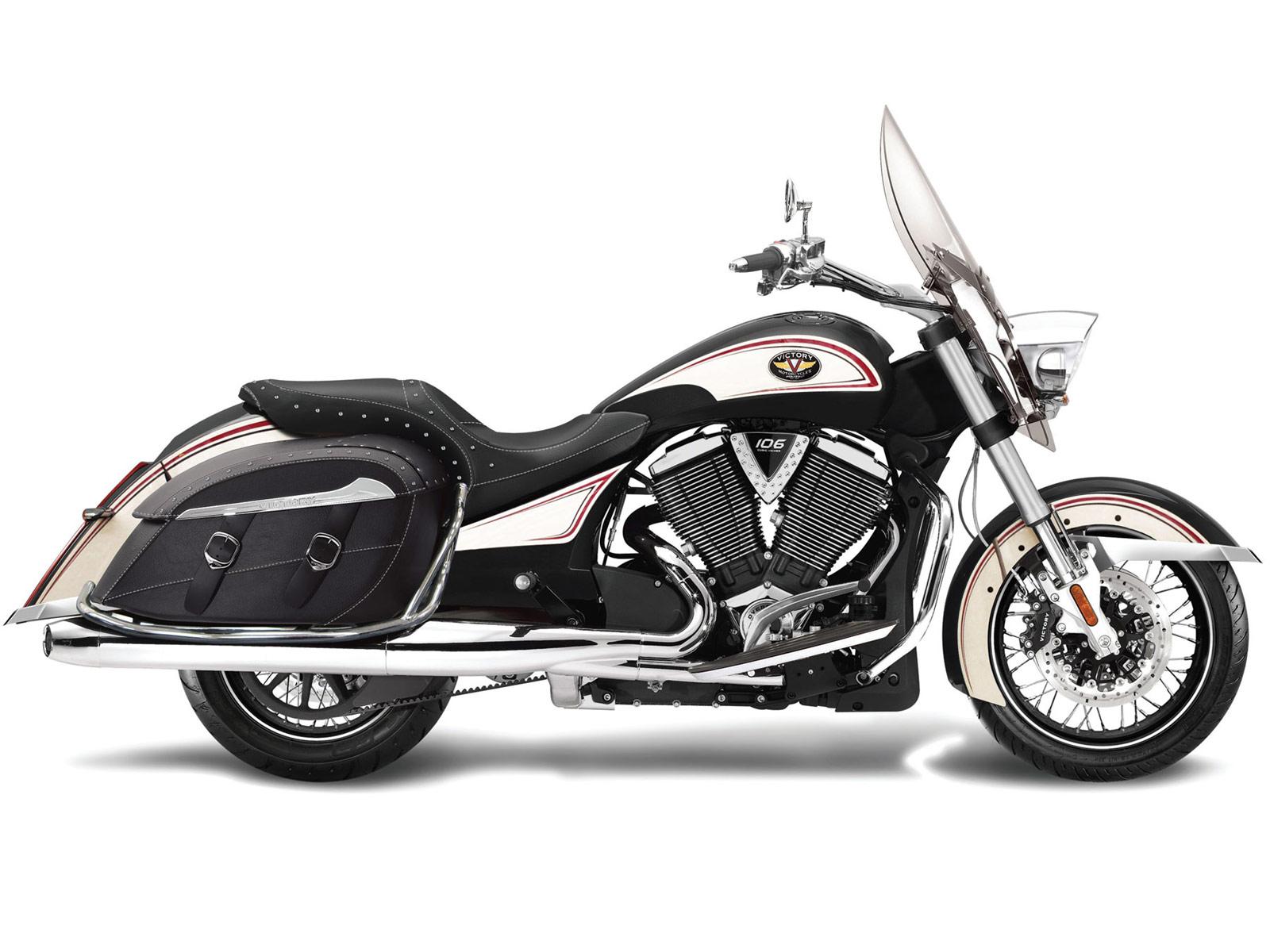 2012 Victory Cross Roads Classic LE motorcycle desktop wallpapersjpg 1600x1200