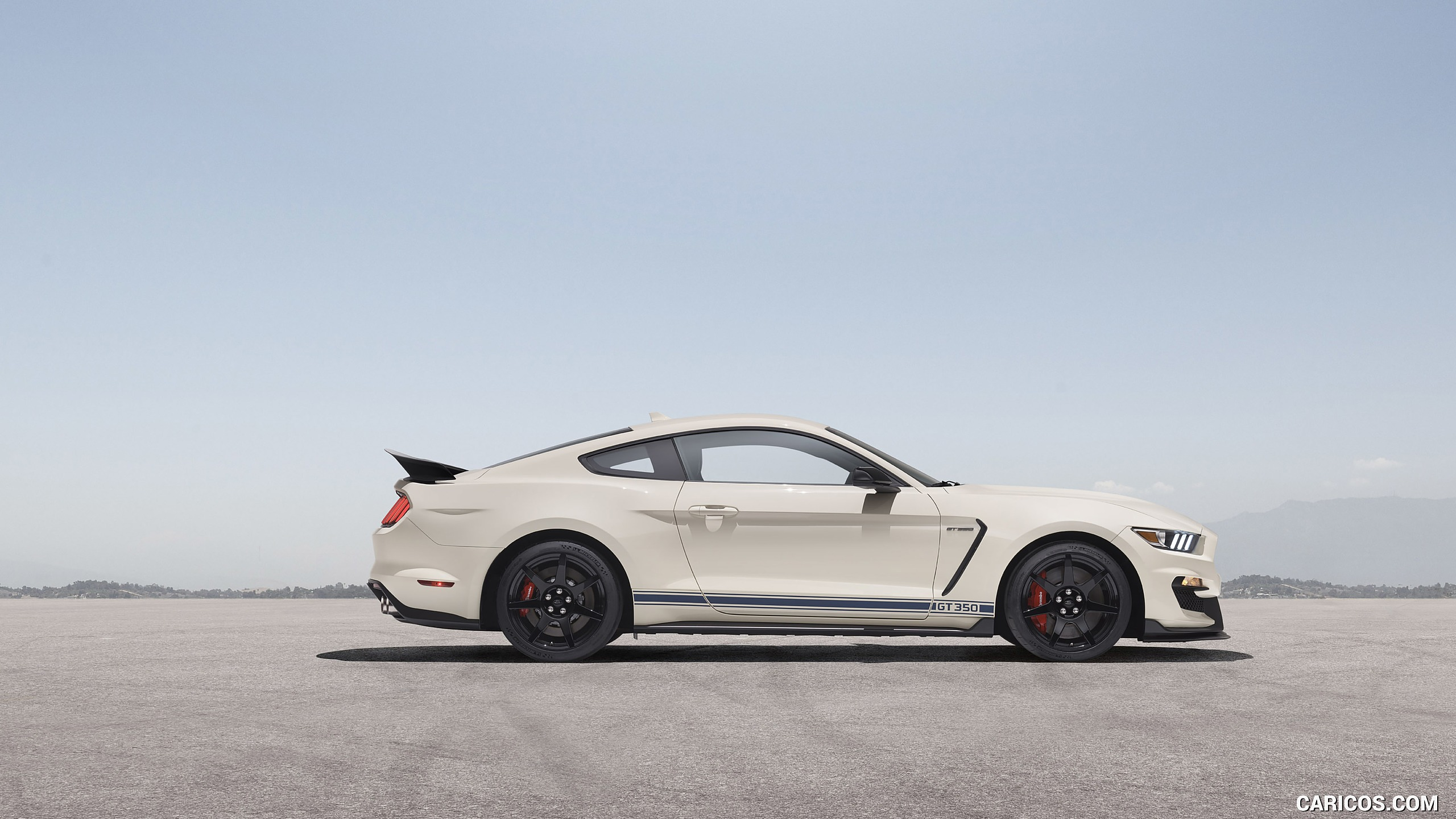 2020 Ford Mustang Shelby GT350 Heritage Edition Package   Side 2560x1440