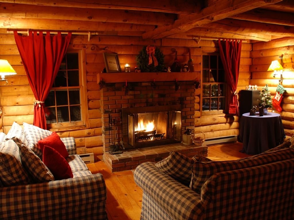 Fantastic Pet Friendly Log Cabin Close to Skiing   VRBO 1024x768