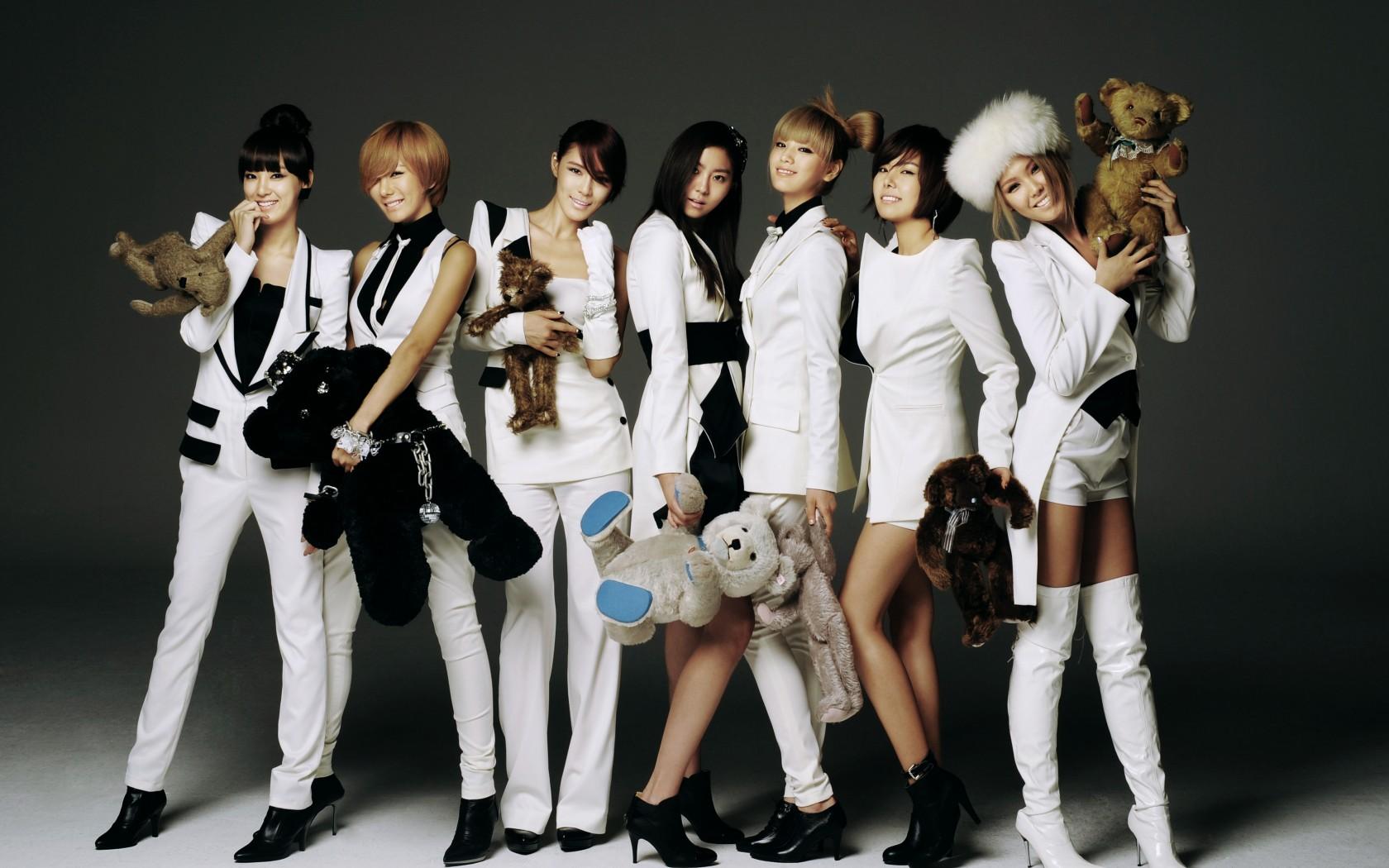 K pop   kpop 4ever Wallpaper 33571582 1680x1050