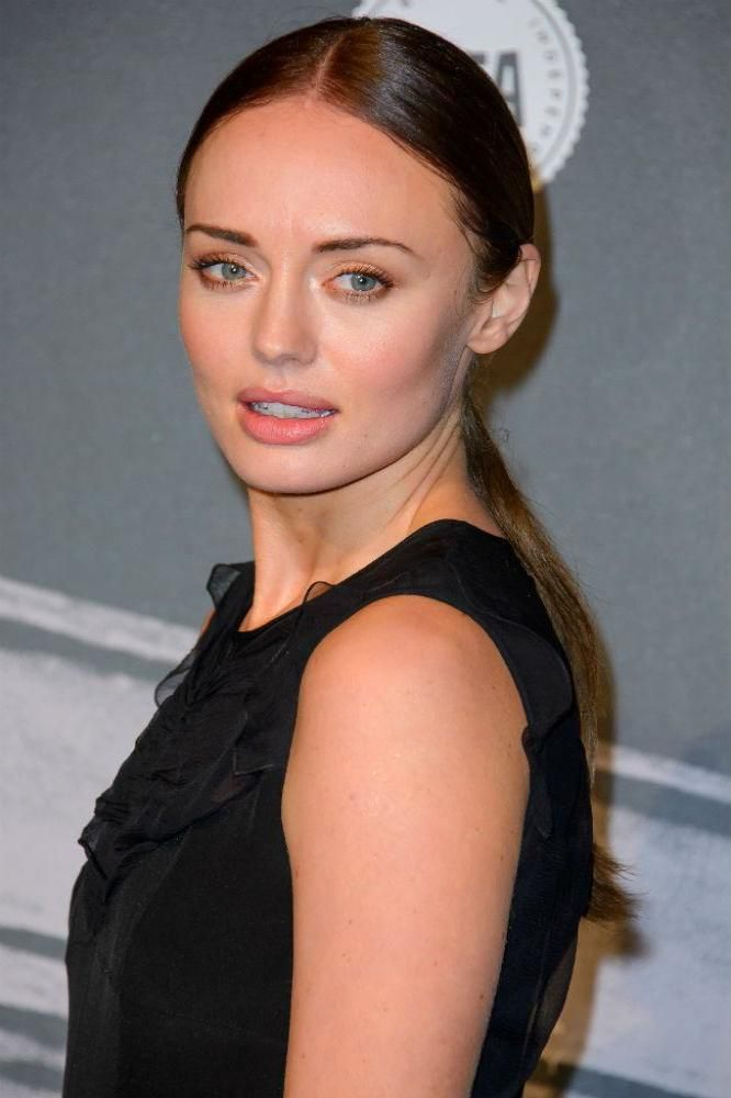 English Actress Laura Haddock 75 Cute Images And 666x1000