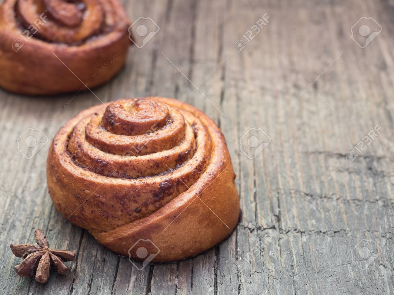 Confectionery Baking Sweet Fresh Soft Roll Bun With Cinnamon 1300x975