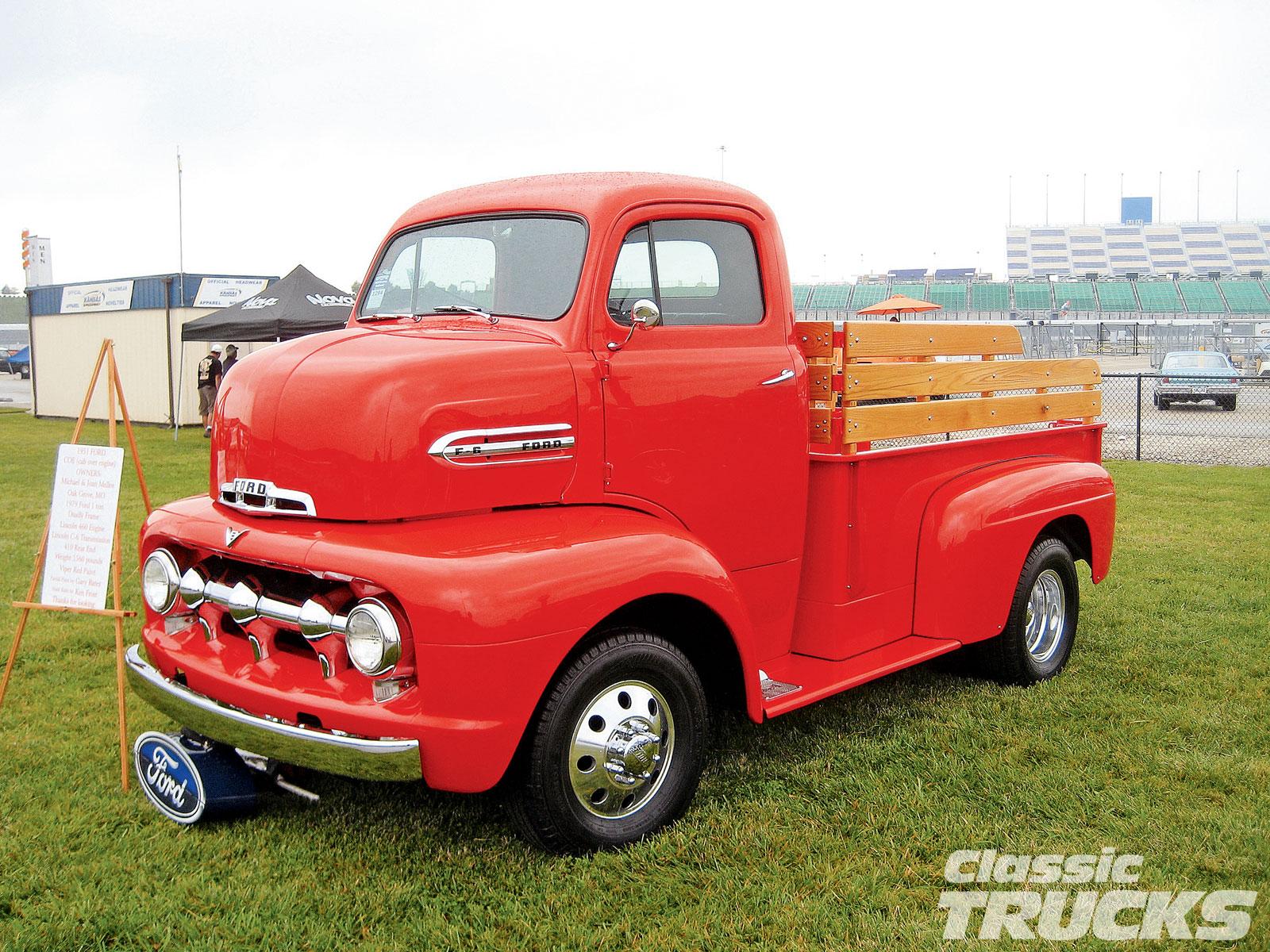 Old Ford Trucks Wallpaper Wallpapersafari 1951 52 Pick Up F1 Pickup Truck Picswallpapercom 1600x1200