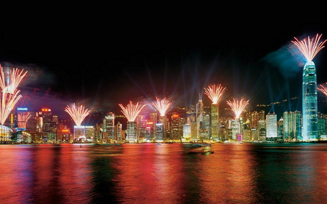 VictoriaHarbour fireworks medium 640x400