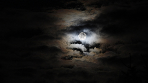 Cloudy dark cool moon wallpaper 500x281