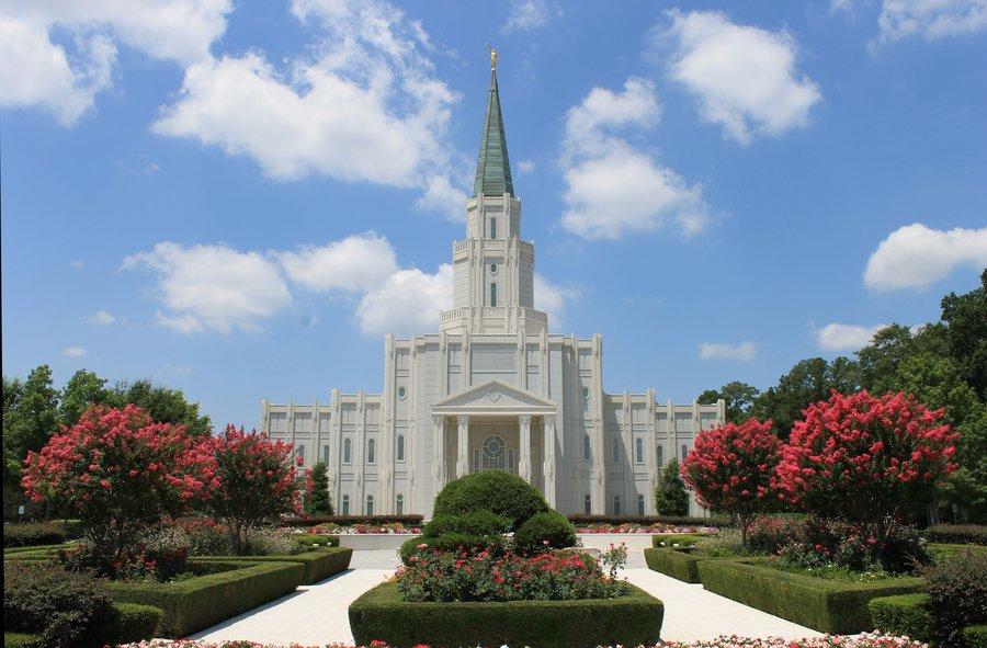 Houston LDS Temple 1 by hack ptui 900x591