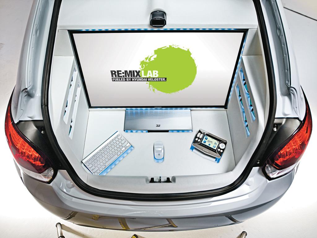 REMIX Technology Veloster   Samsung LED 3D TV   1024x768   Wallpaper 1024x768