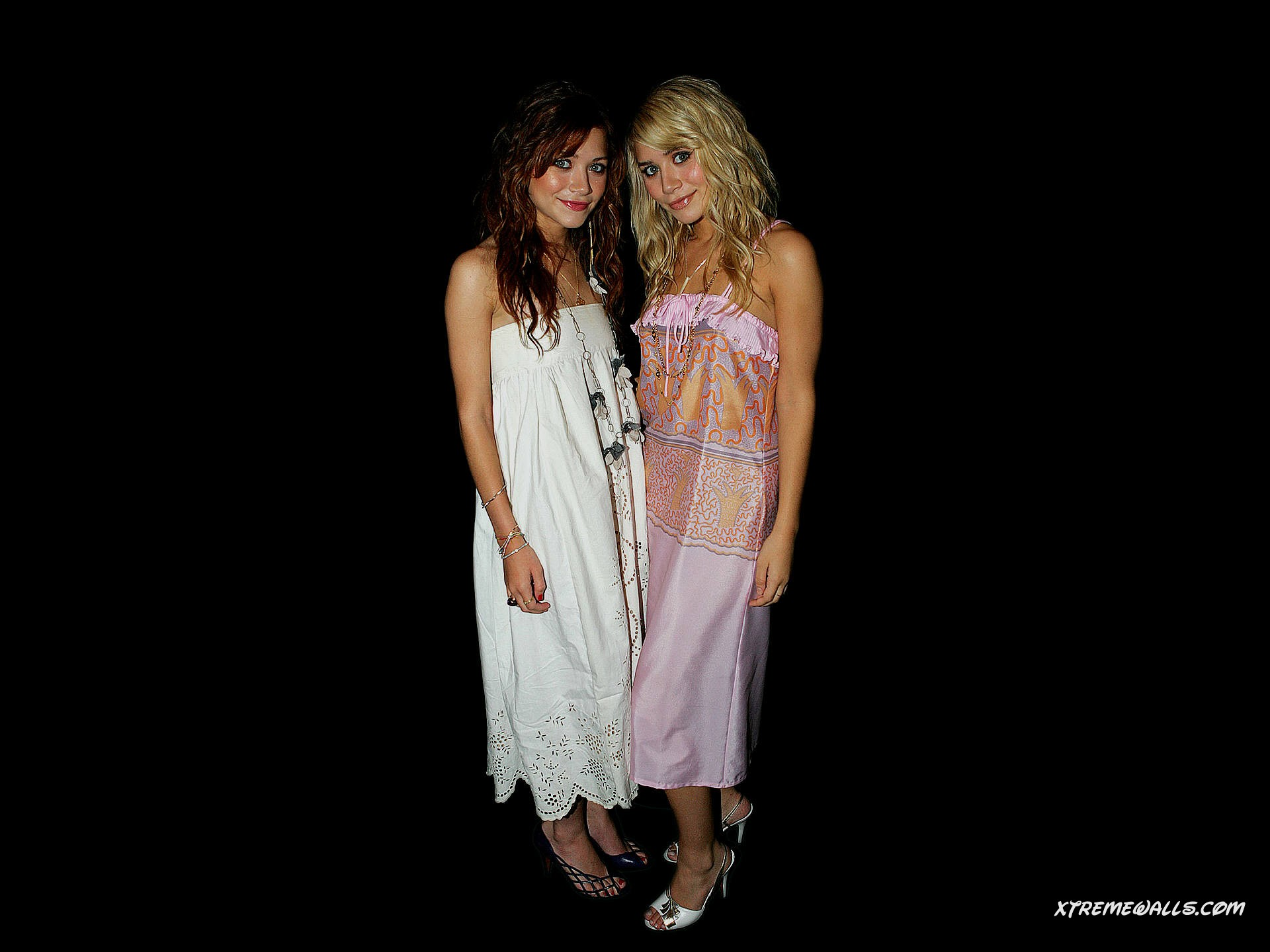 Olsen Twins 1920x1440 wallpaper   right click and choose Set as 1920x1440