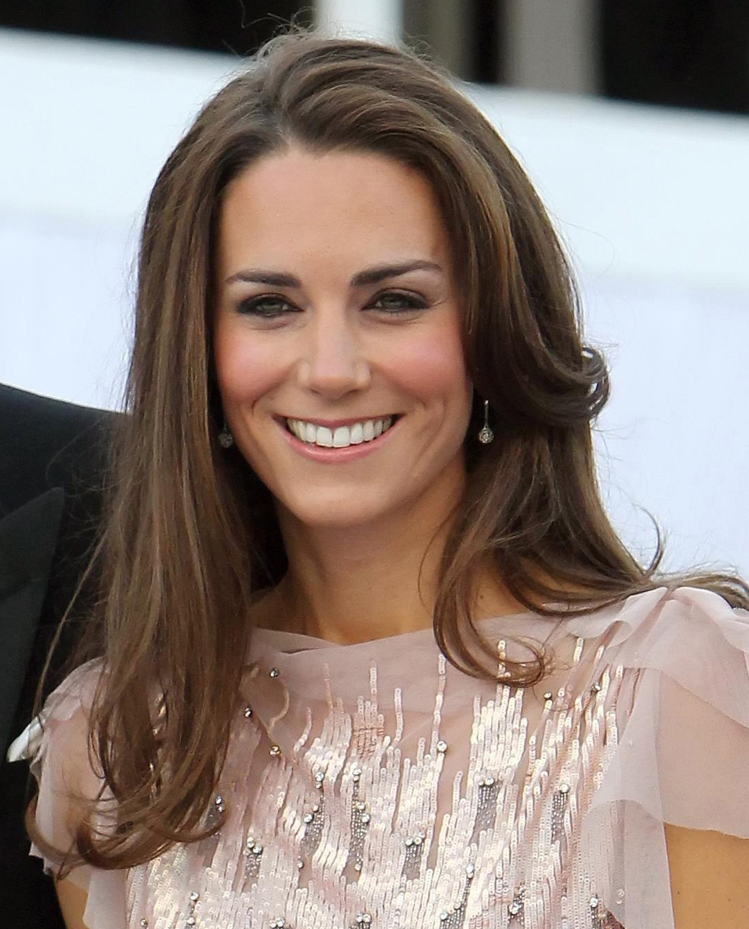 Cupidion Kate Middleton Pretty Wallpaper Images 1083x1344 1083x1344