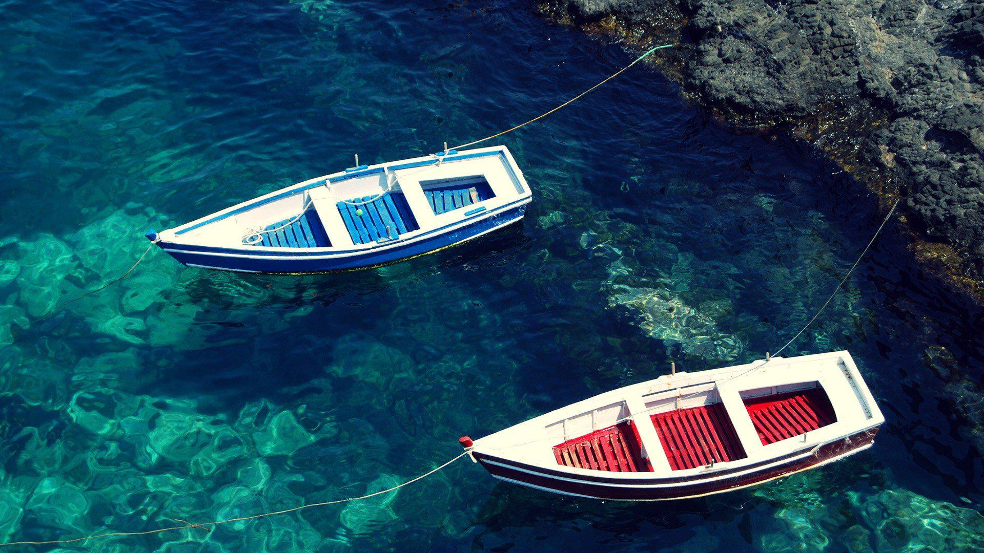 HD Water Blue Red Boats Sea Beaches Desktop 1920x1080