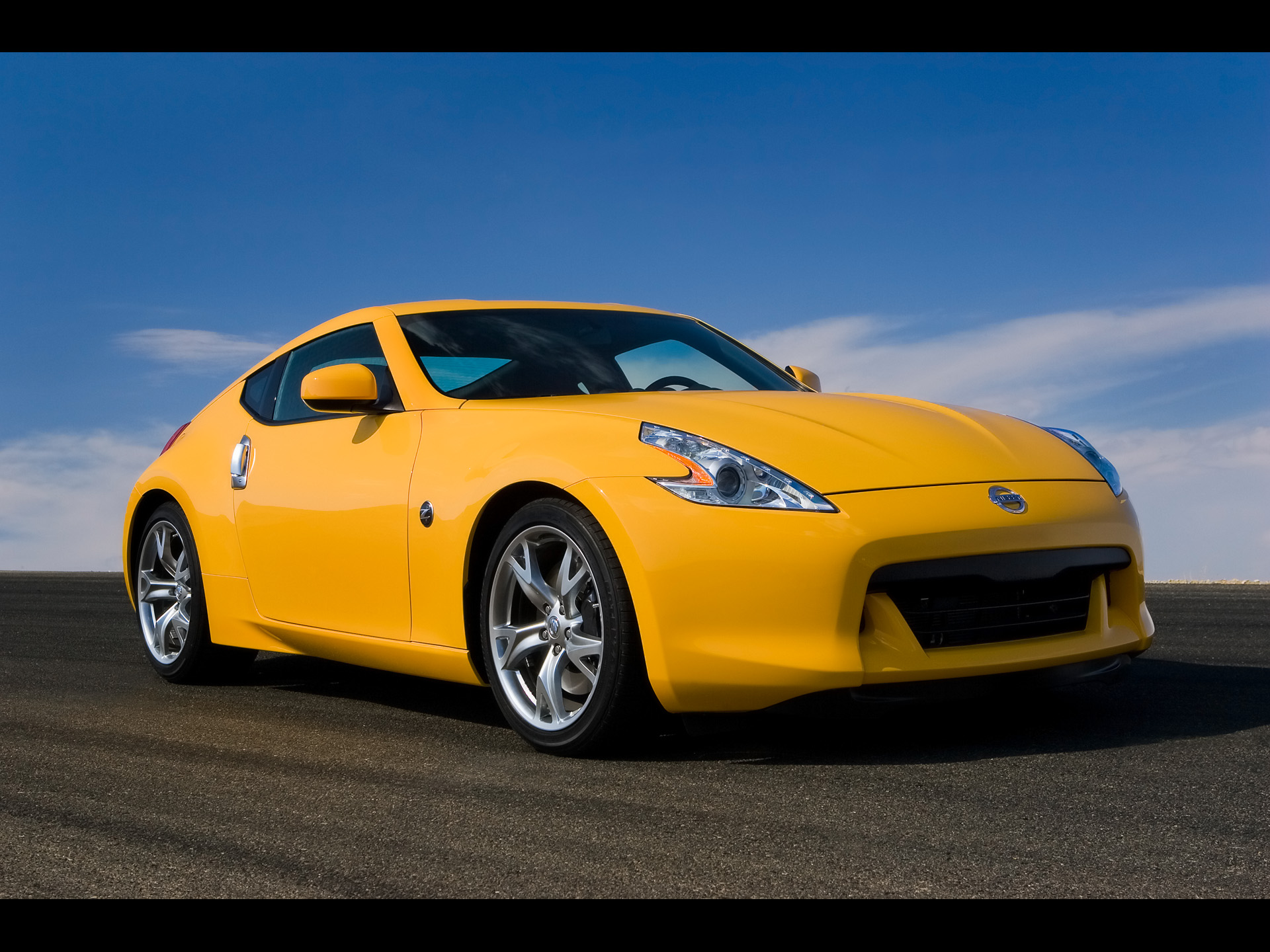 370Z front angle wallpapers 370Z front angle stock photos 1920x1440