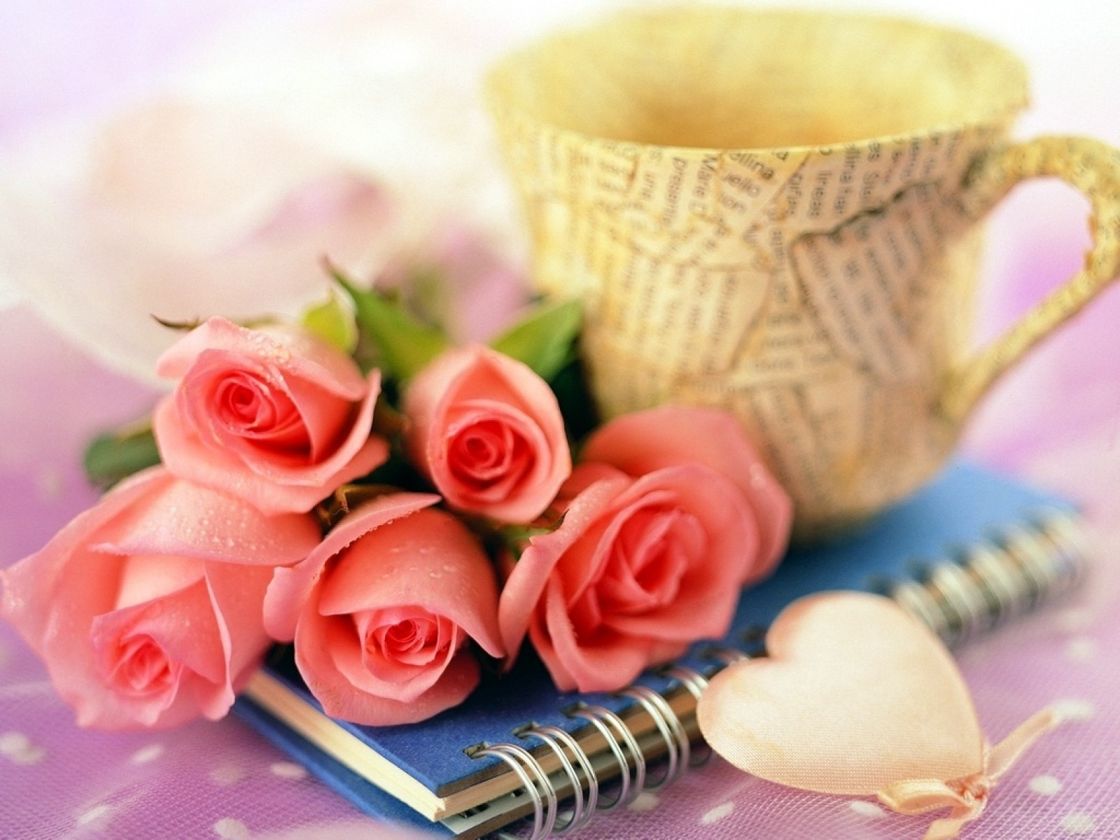 best top desktop roses wallpapers hd rose wallpaper 29 pink rosesjpg 1600x1200