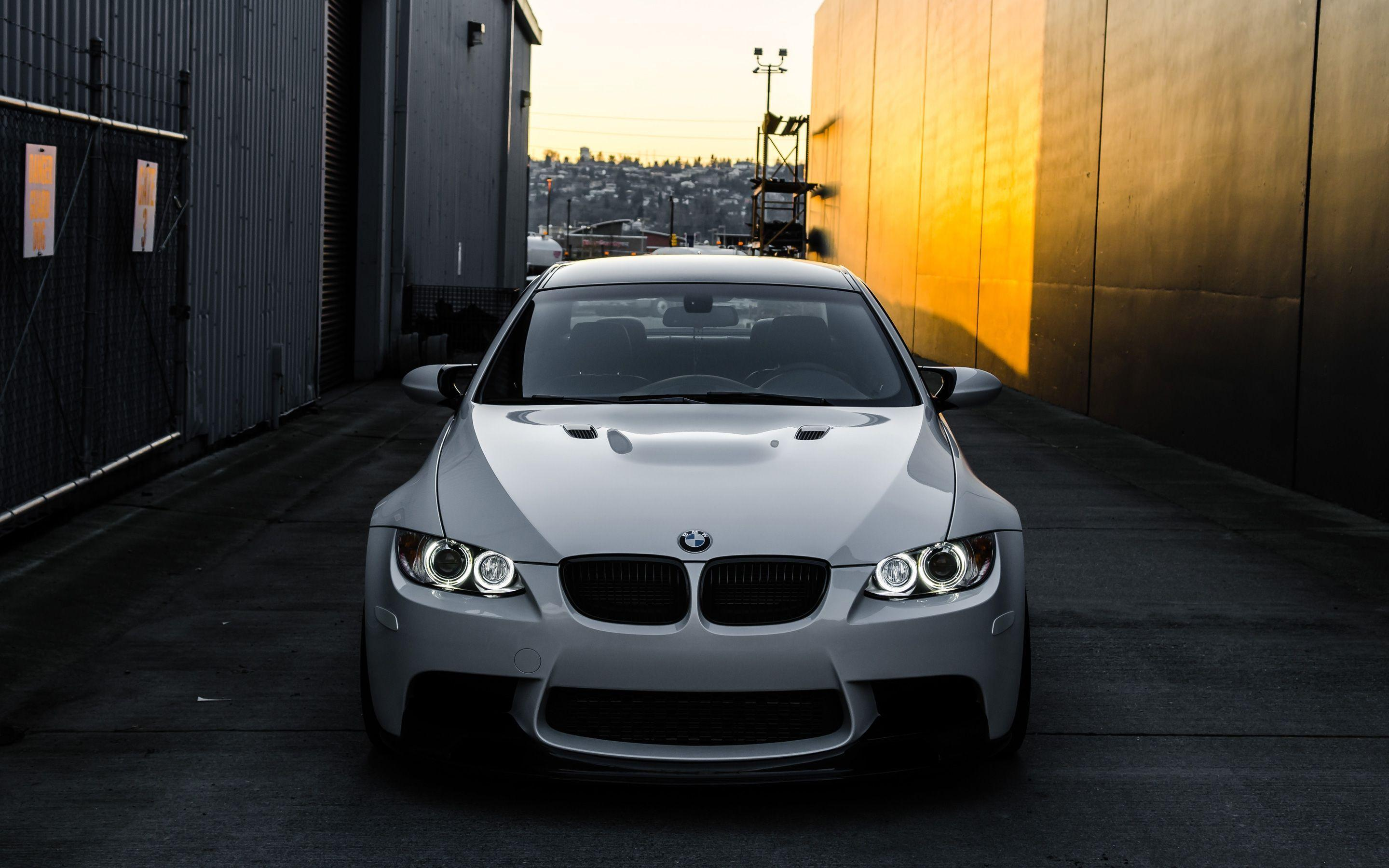 BMW M3 Wallpapers 2880x1800