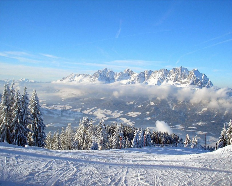 Mounting Skiing Resort Descent Fog   Stock Photos Images HD 813x650