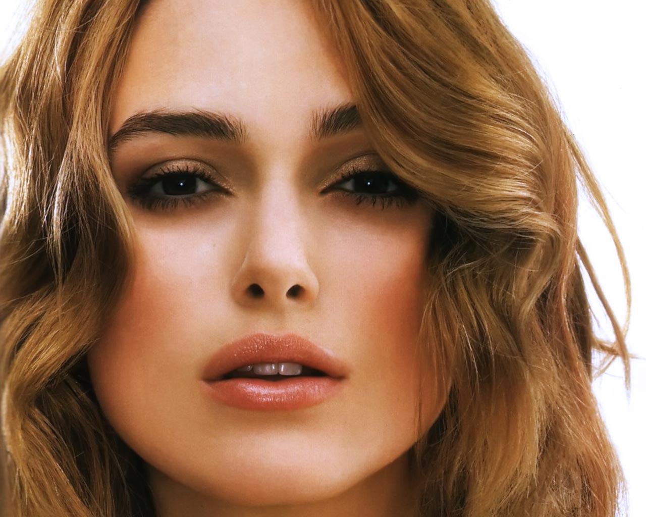 Hollywood Actress Photos 1280x1024