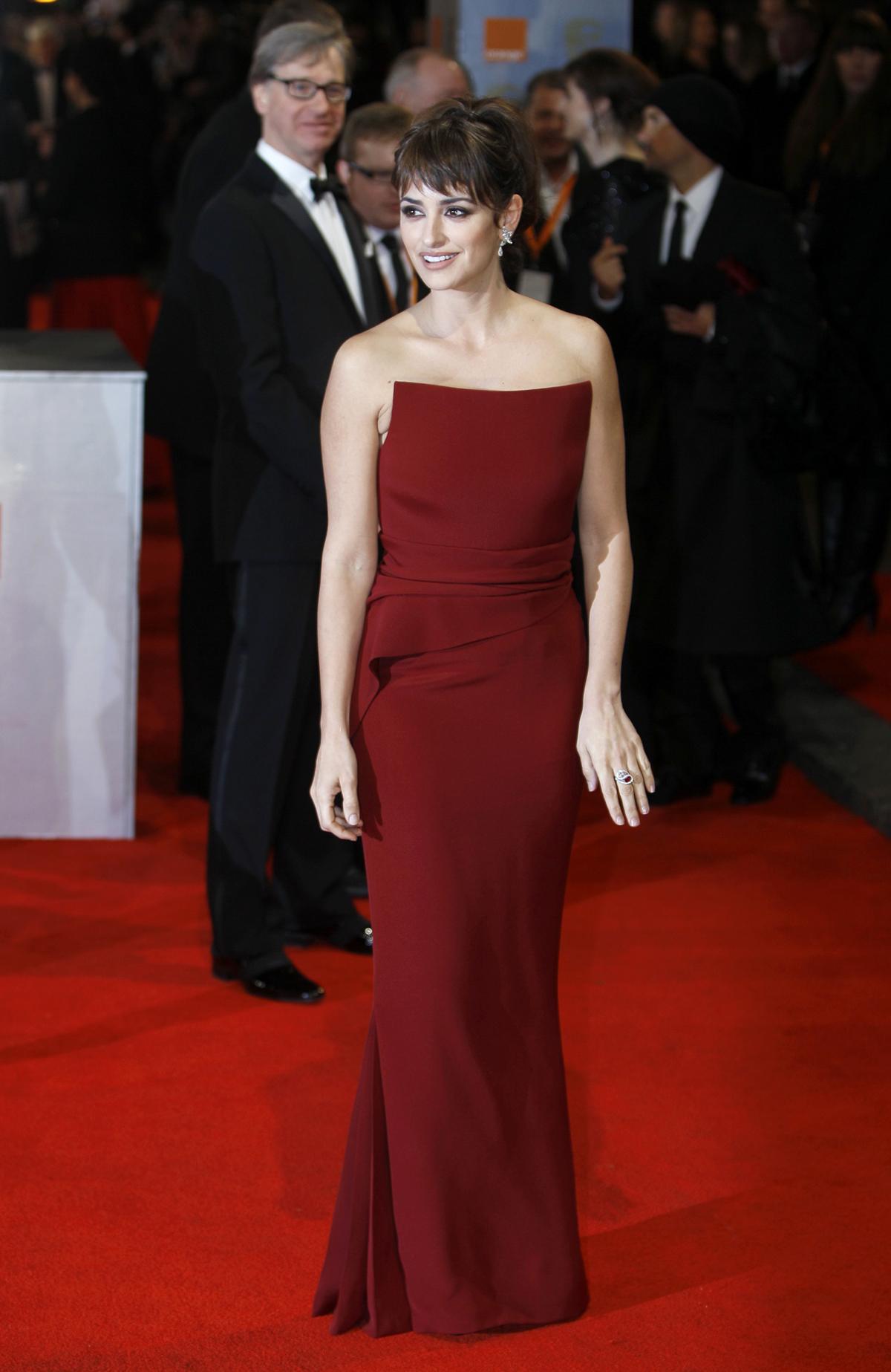 Penelope Cruz at BAFTA Awards 2012 in London Photo 1200x1847