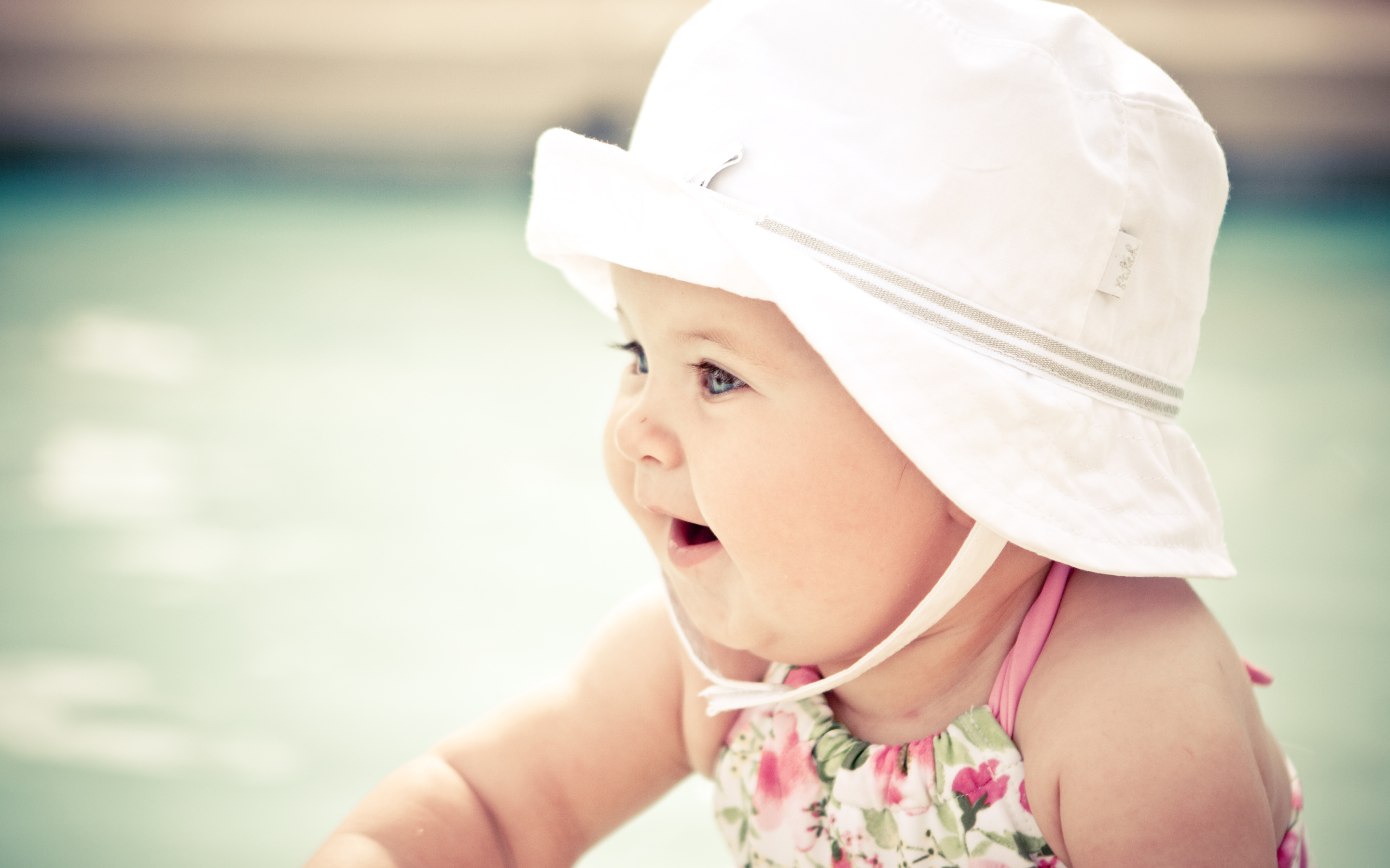 Cute Baby With Hat Wallpapers HD Wallpapers 2880x1800