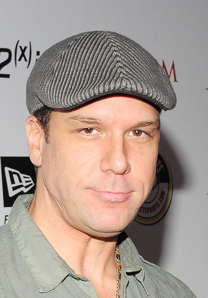 Diary Top Model Dane Cook   New Photos 414x594