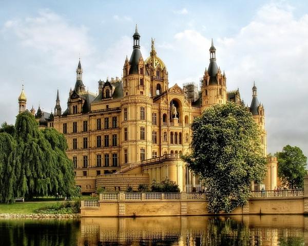 german house castle Classic Wallpaper Desktop Wallpaper 600x480