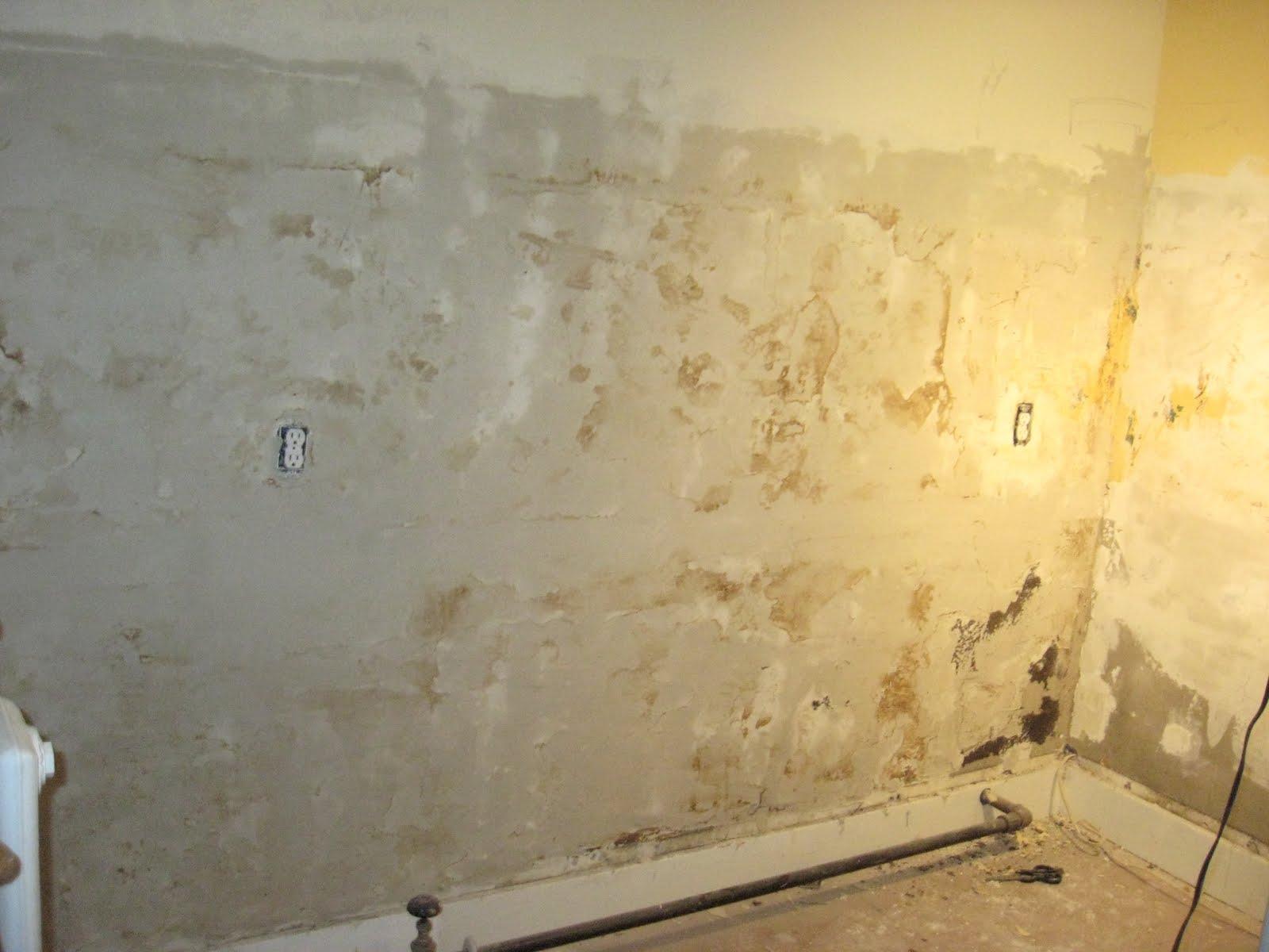 Skim Coating Walls 1600x1200