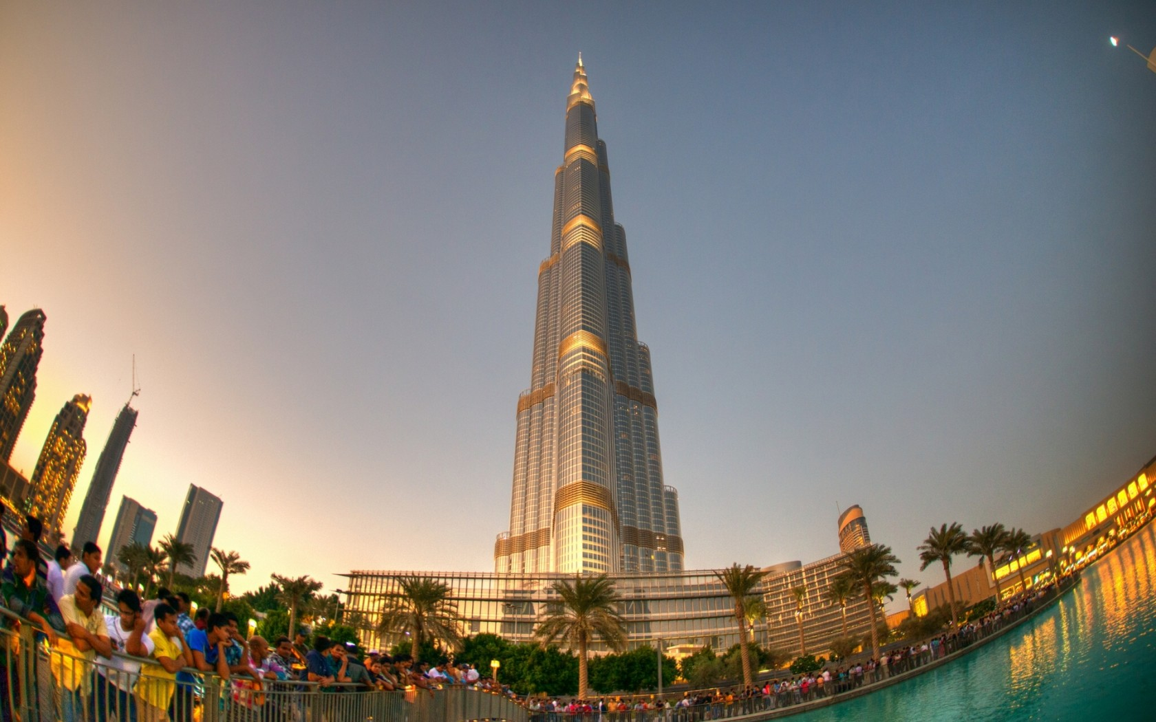 Burj khalifa hotel pictures 20 Top-Rated Tourist Attractions in Dubai PlanetWare