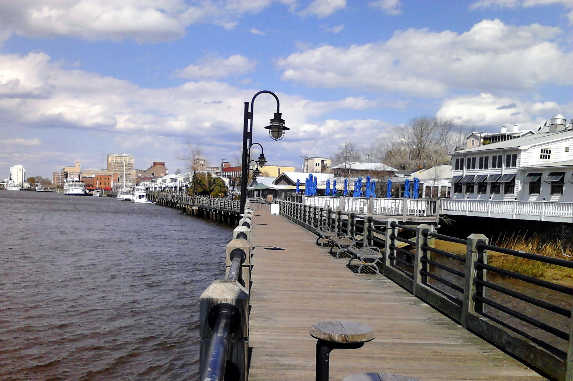 FileWilmington Riverwalk and downtownjpg Wikimedia Commons 1943x1295