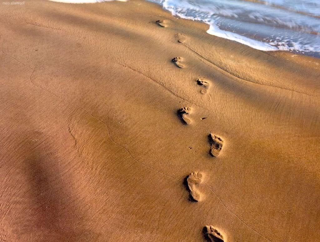 footprints in sand wallpaperjpg Photo by kurizeru06 Photobucket. ← Sanding Off Wallpaper