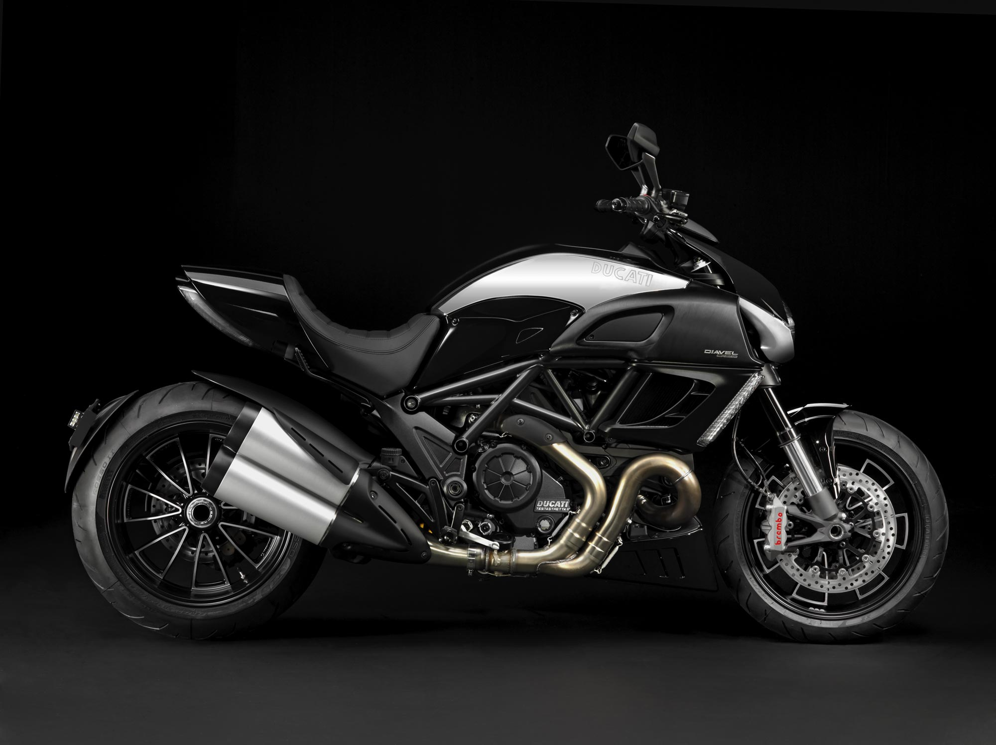 Ducati Diavel 16172 Hd Wallpapers in Bikes   Imagescicom 2000x1497