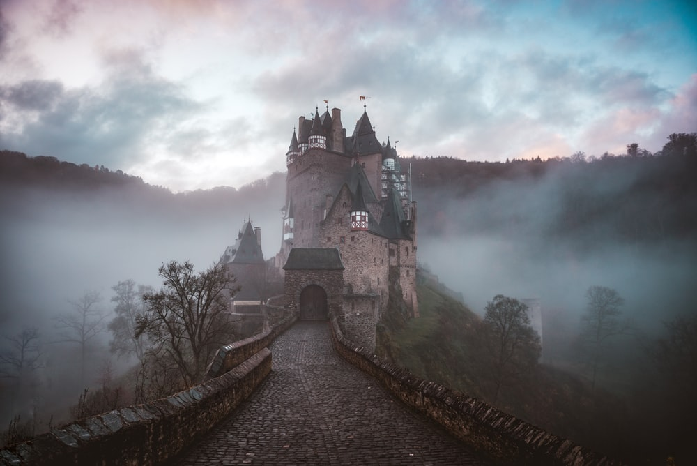 27 Castle Pictures Download Images on Unsplash 1000x668