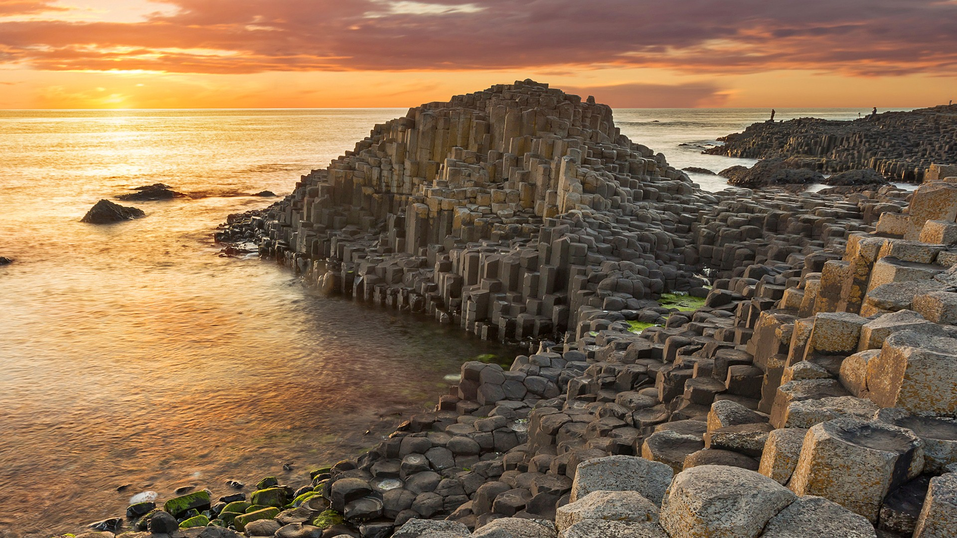 Tourist Attraction Giants Causeway in UK HD Wallpapers 1920x1080