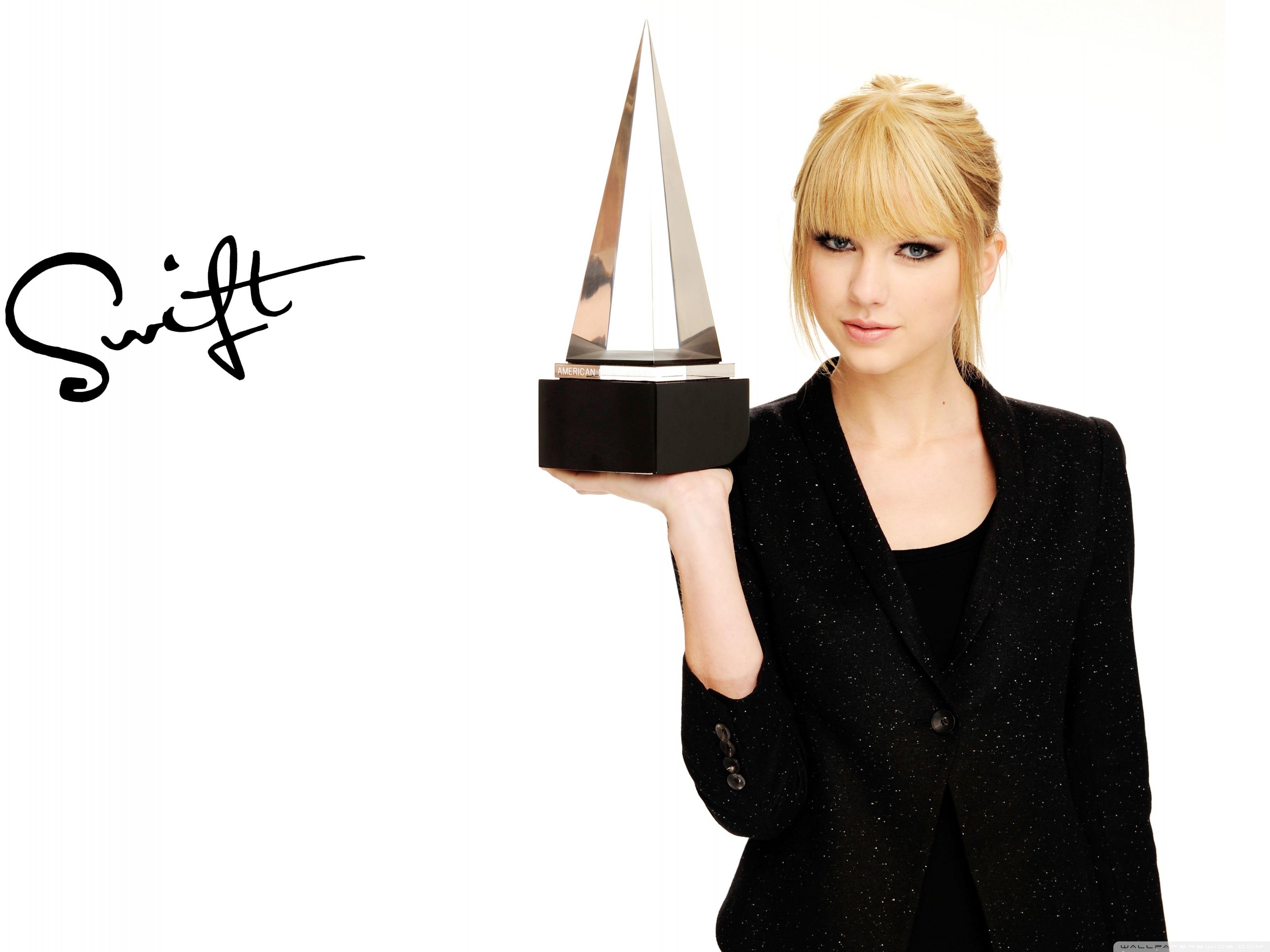 Taylor Swift American Music Awards 4K HD Desktop Wallpaper for 3200x2400