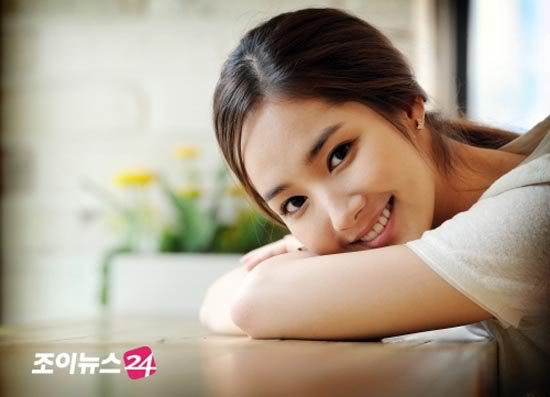 Park Min young Over her slump and keeping busy 550x397
