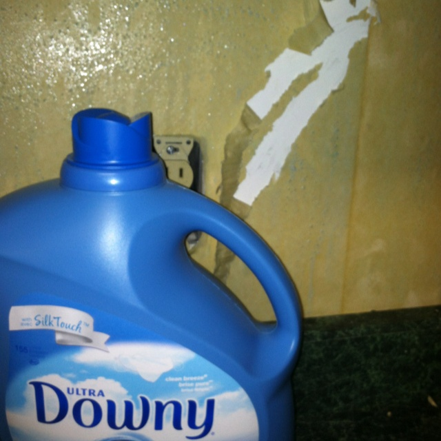 To remove wallpaper use equal parts of warm water and Downy Fabric 640x640