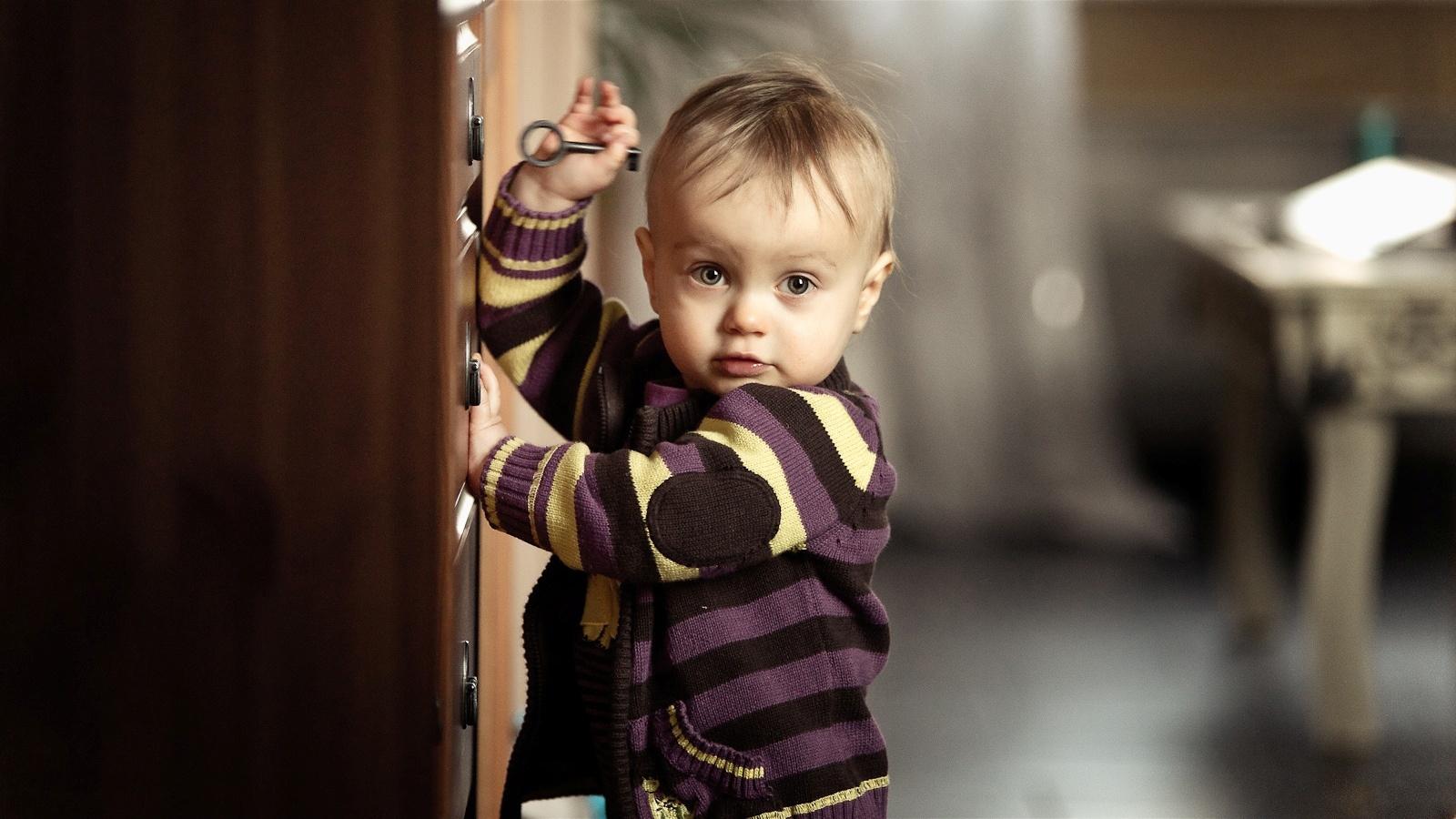 Cute Little Baby Boy Trying To Open Drawer HD WAllpaper Cute Little 1600x900