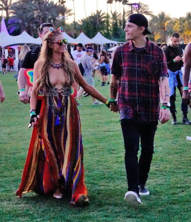 Paris Hilton 2017 Coachella Music Festival Day 1  04 662x769