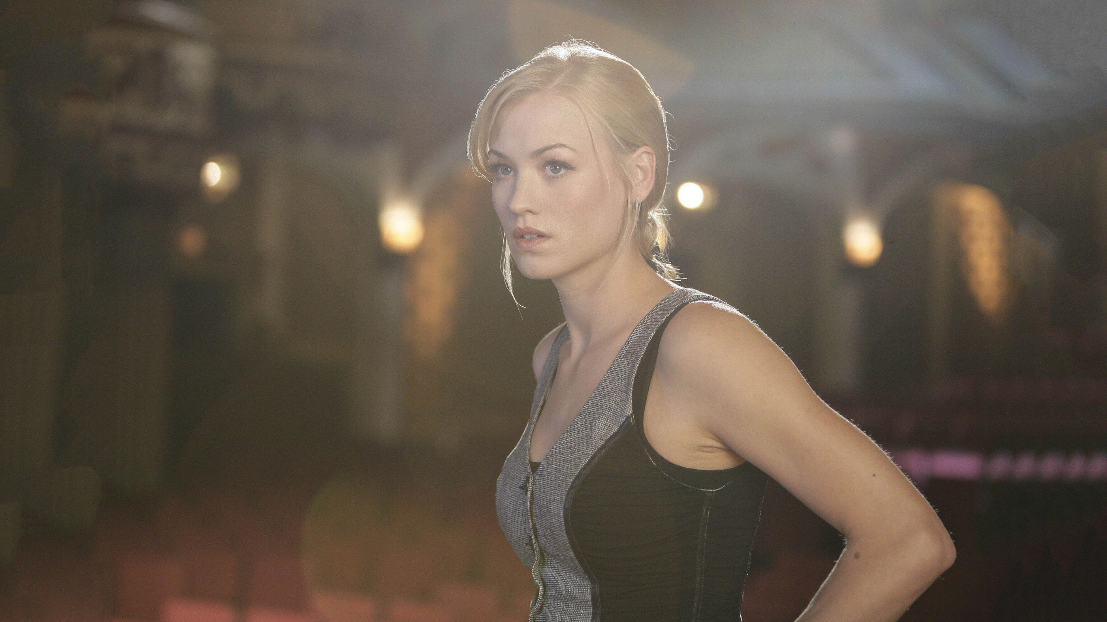 yvonne strahovski wallpapers 03 GotCeleb Wallpapers 3840x2160