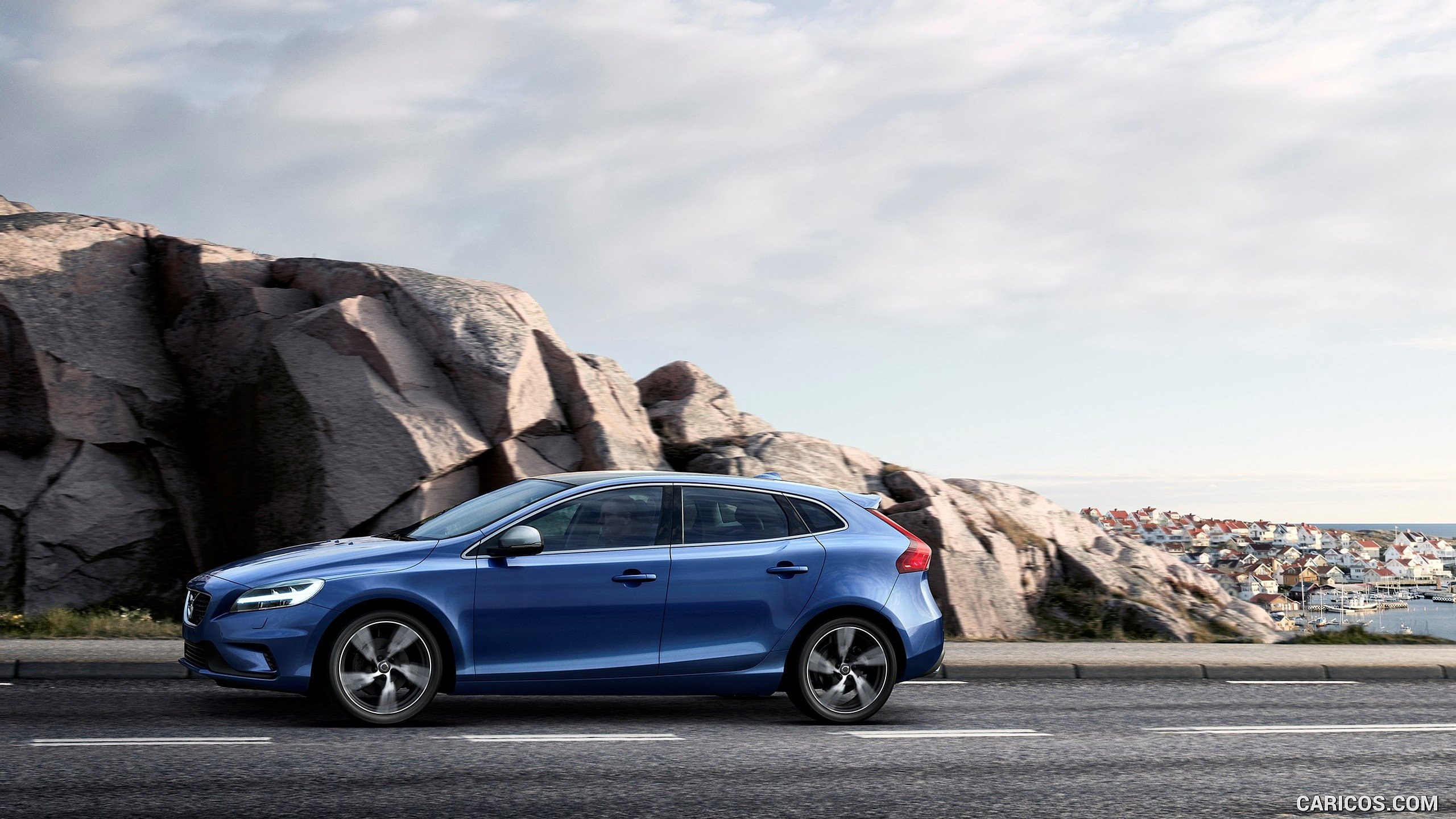 2017 Volvo V40 T5 R design   Side HD Wallpaper 12 2560x1440