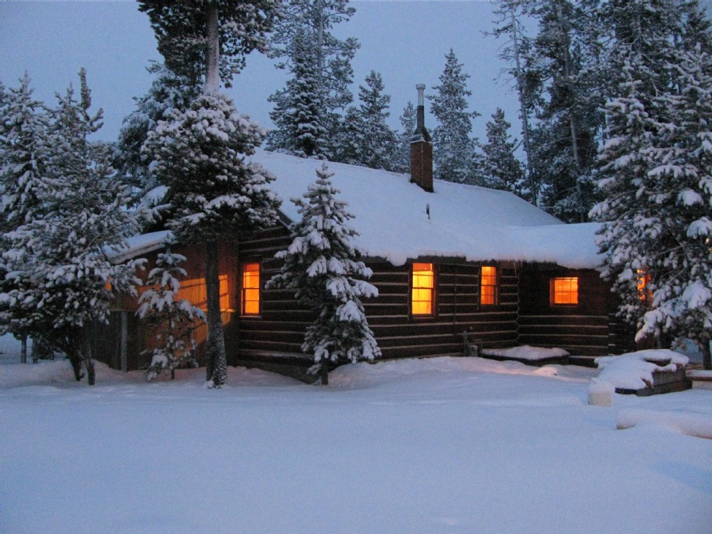 Our warm cozy cabin on a snowy November evening 1024x768