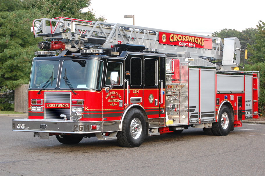 Fire truck wallpaper wallpapersafari - Lit camion de pompier ...