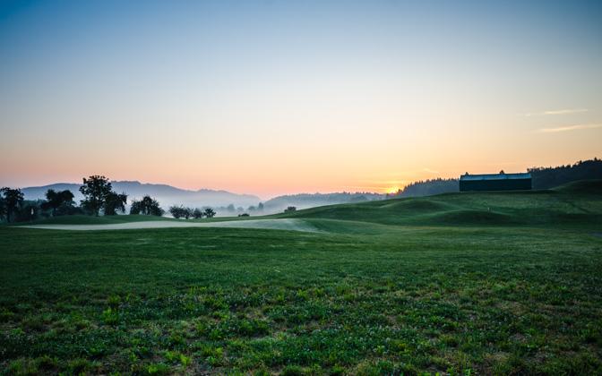 High resolution desktop wallpaper Sunrise at Golf Course by skopusnik 672x420