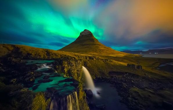 Wallpaper kirkjufell iceland waterfall aurora borealis wallpapers 596x380