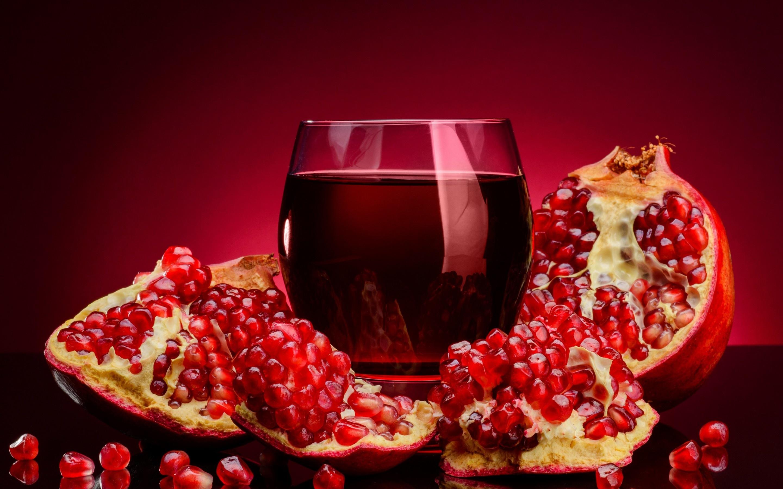 Wallpaper pomegranate juice fruits food glass desktop 2880x1800