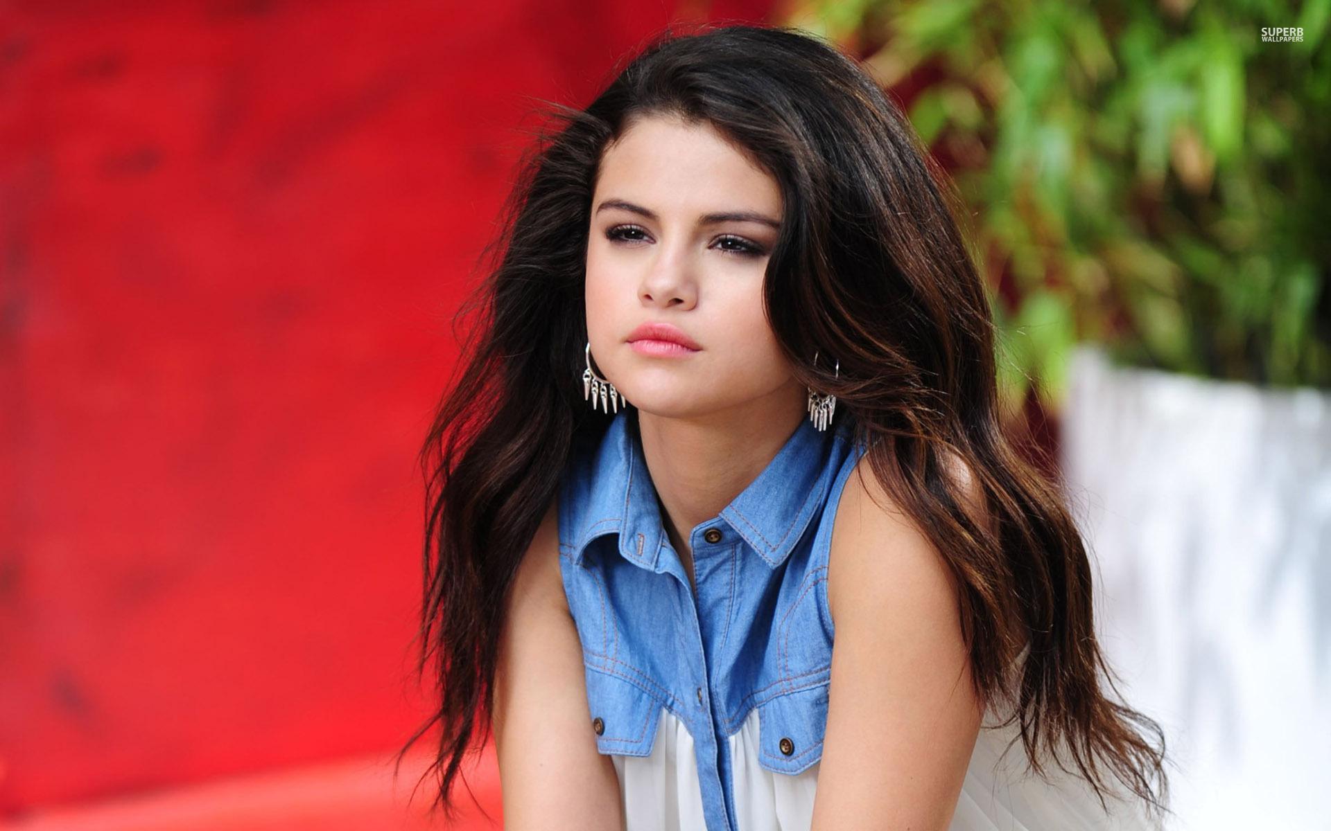 Selena Gomez Widescreen Wallpaper Related Keywords 1920x1200