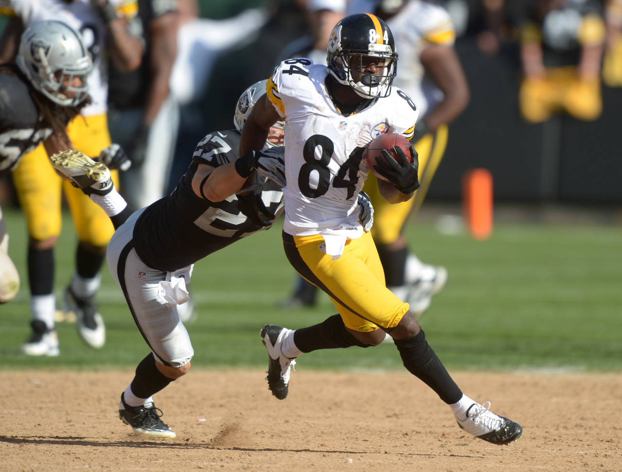 Game Antonio Brown Running With Ball Wallpapers 1280x970