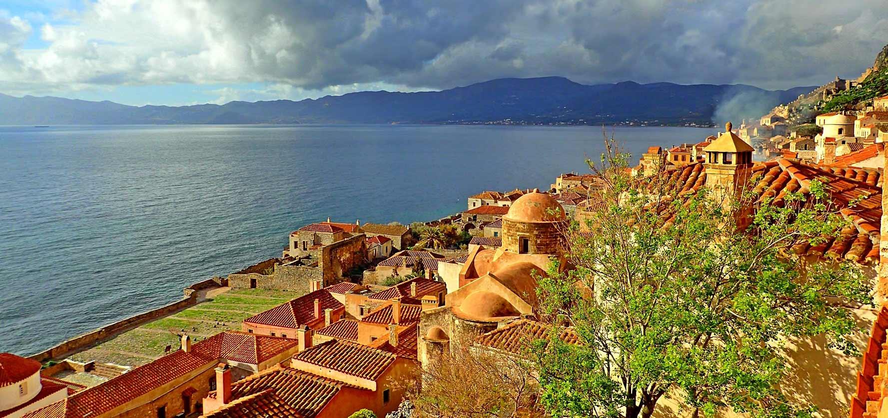 monemvasia city greece Lakoniabay 1777x837
