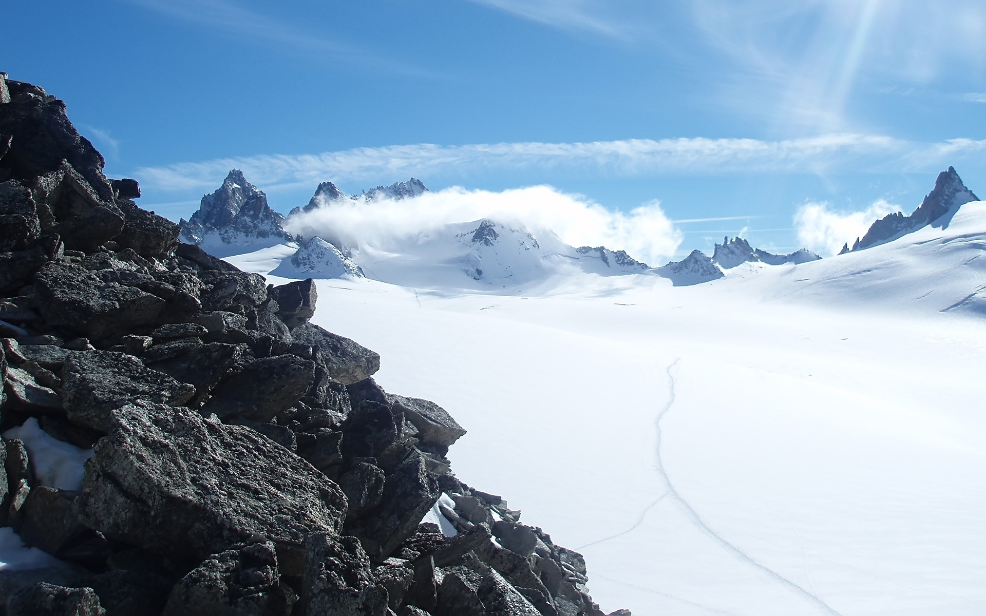 горы камни снег зима  № 2512885 бесплатно