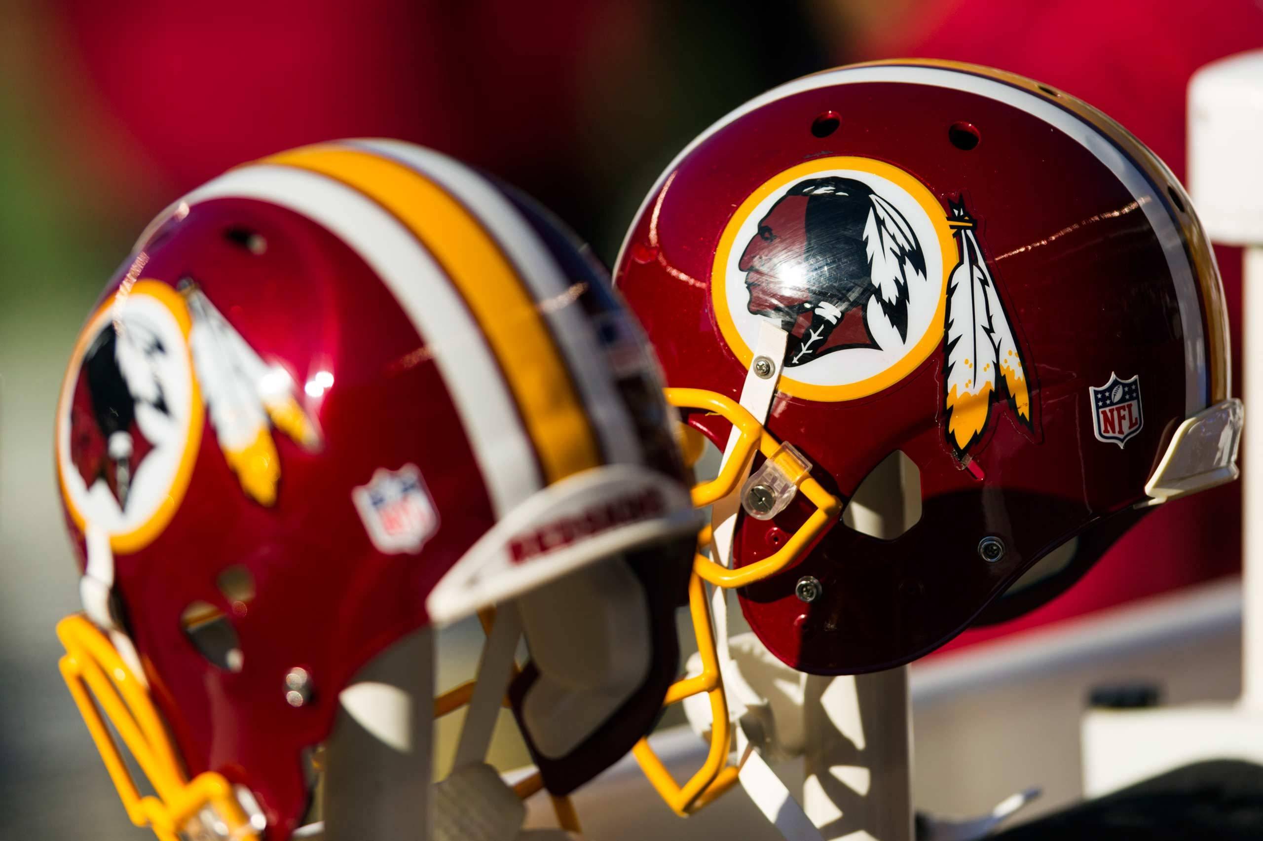 Washington Redskins Helmet Wallpaper Background 55993 2560x1706px 2560x1706