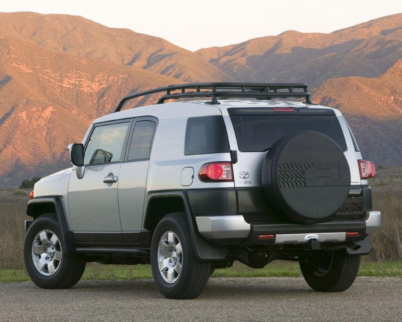 Toyota FJ Cruiser V6 AWD   1280x1024 Wallpaper 1280x1024